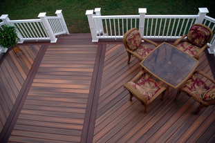 Local deck contractor near me_ Light and dark brown Trex