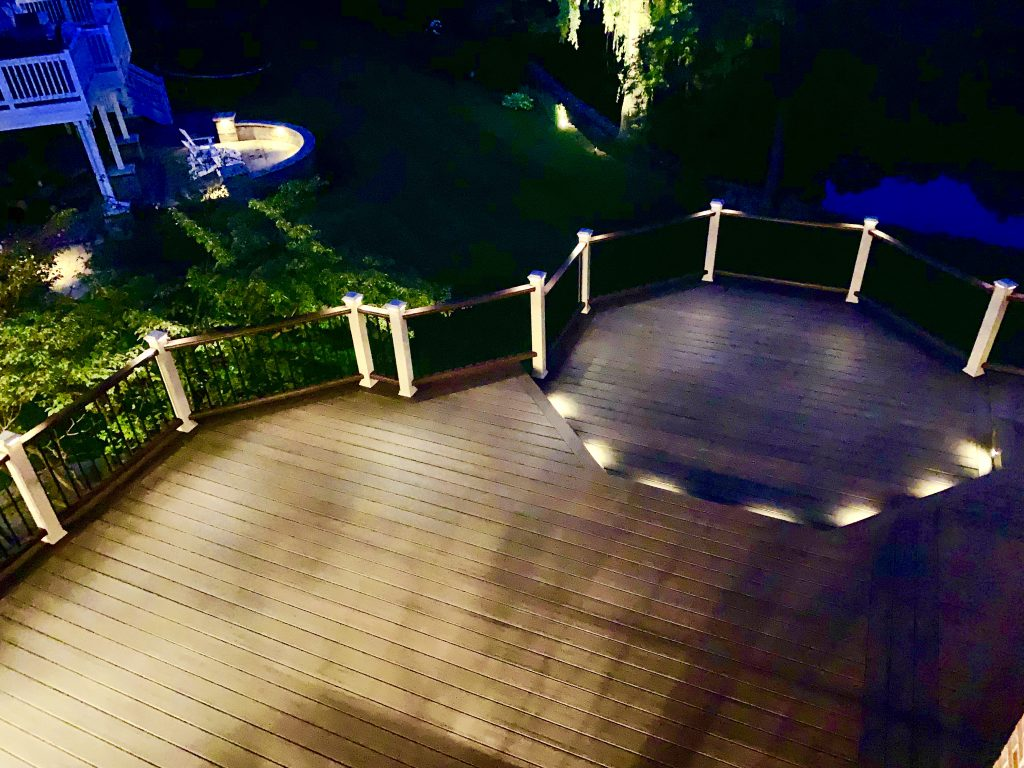 Libertyville Deck builder- Trex lighting on stairs and railing