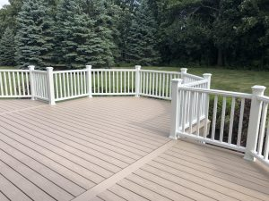 Trex deck_ Lake Barrington_ Deck builder