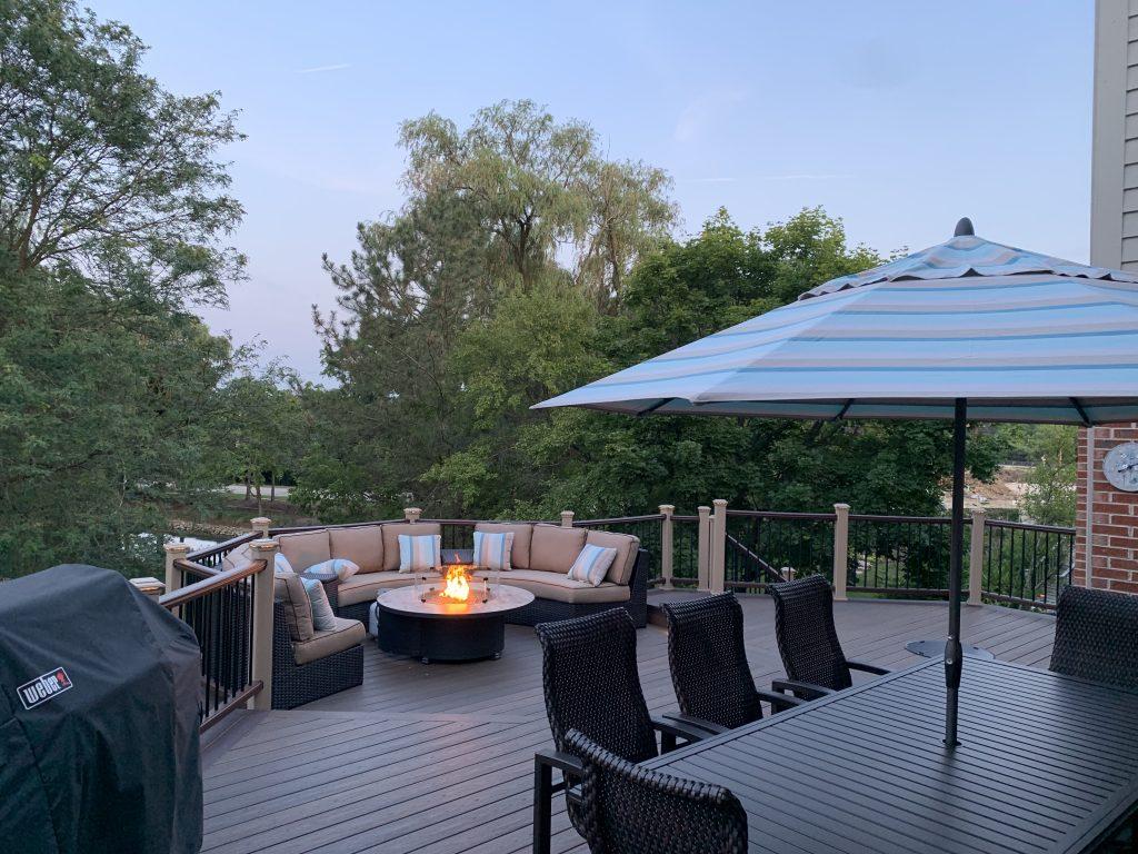 Deck builder- Backyard deck ideas