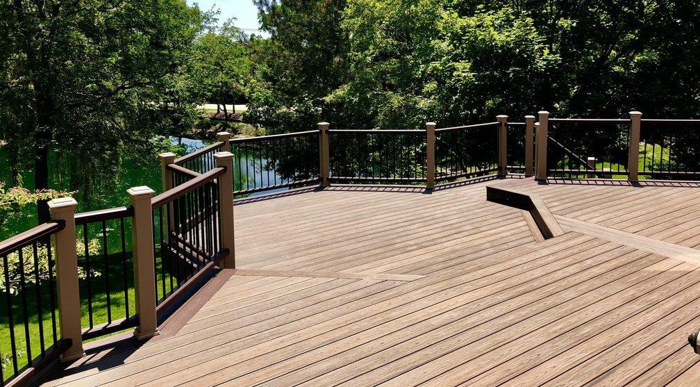 Libertyville IL deck builder- Trex deck