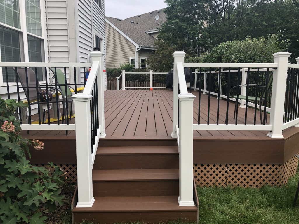 Lake Zurich Deck builder - Trex Enhance