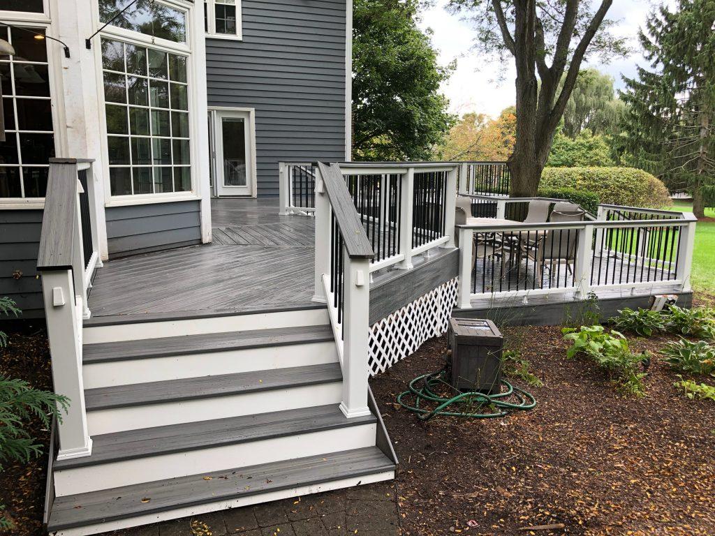Deck builder_ deck contractor