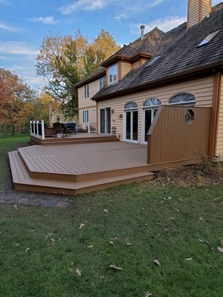 Trex deck- Libertyville IL- Select