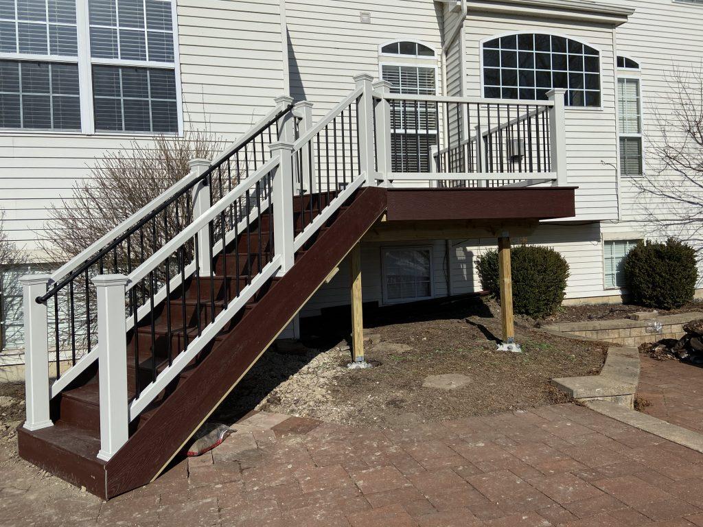 Deck builder Lindenhurst il