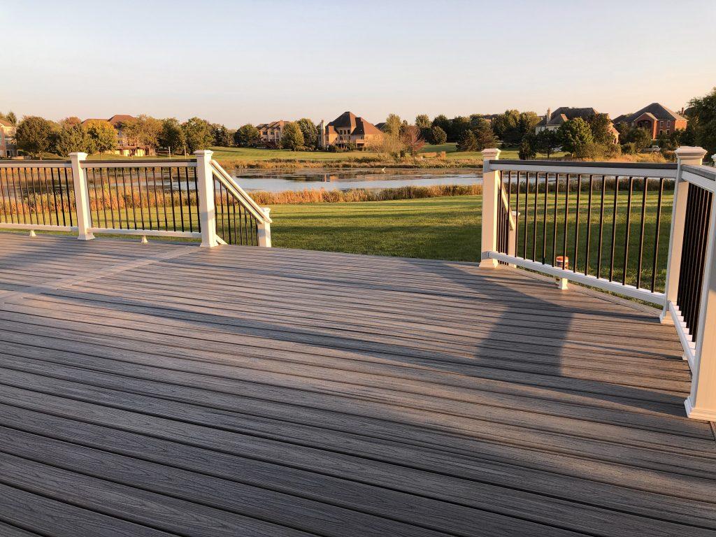 Trex-cocktail-railing